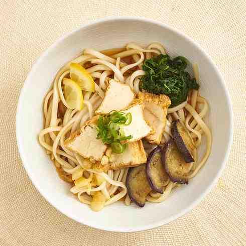 Sanuki Tofu Udon Noodles with Dashi Broth and Lemon (Chilled, Ve)/ 茄子と厚揚げ豆腐のかけ讃岐うどん(製麺地: 香川県)