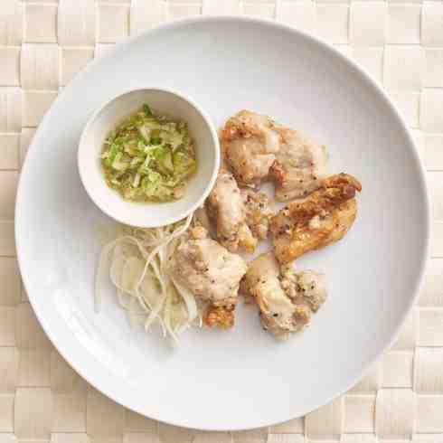 (New) Grilled Chicken with Salt Lemon Sauce/ 鶏のもも肉と焼肉屋のねぎ塩だれ